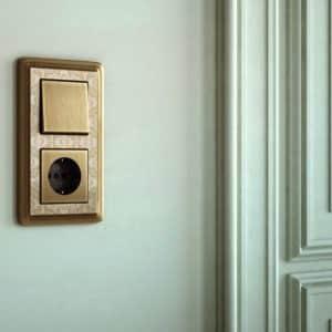 włącznik / wyłącznik światła / gniazdo
