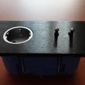 gniazdo elektryczne z włącznikiem światła