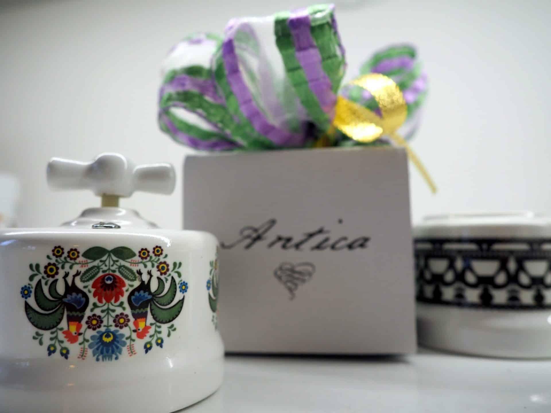 Antica folk-ceramiczny włacznik światła