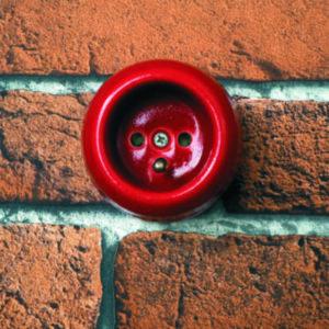 gniazdo elektryczne czerwone